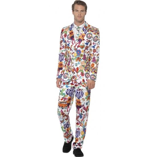 Heren kostuum hippie. Dit 3-delig heren kostuum met colbert, broek en stropdas heeft een all-over hippie print. Het kostuum bestaat uit 100% polyester.
