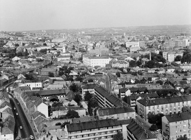 látkép a Magasház tetejéről a belváros felé nézve.