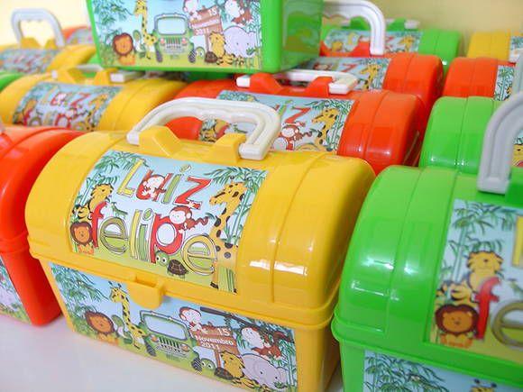 Maletinha Baú - Festa Safari http://www.elo7.com.br/maleta-bau-de-plastico-safari/dp/2E985D