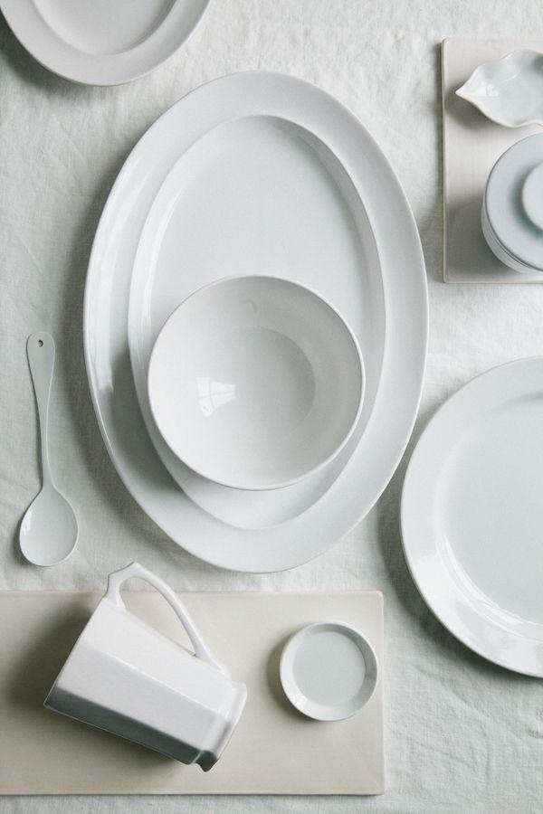 Simple White Homeware Roundup from Zola via oncewed.com