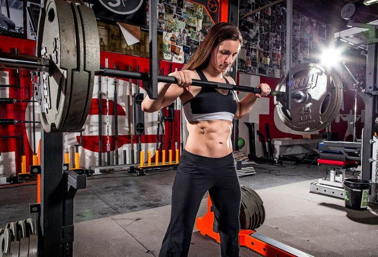A Short QA With Julia LadewskiI    She is a competitive powerlifter, trainer, and online nutrition coach. The thing that struck me about Julia is that on top of this super woman, ab'ed out athlete was an exterior that looked like a really together wife and mom living her dreams. Tell us a bit about why your message is so positive that it stands out amongst the noise in the health and fitness game?