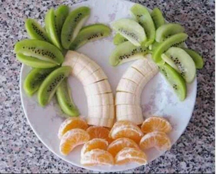 love this idea it would be so cute for a beach themed party or even a safari party!!