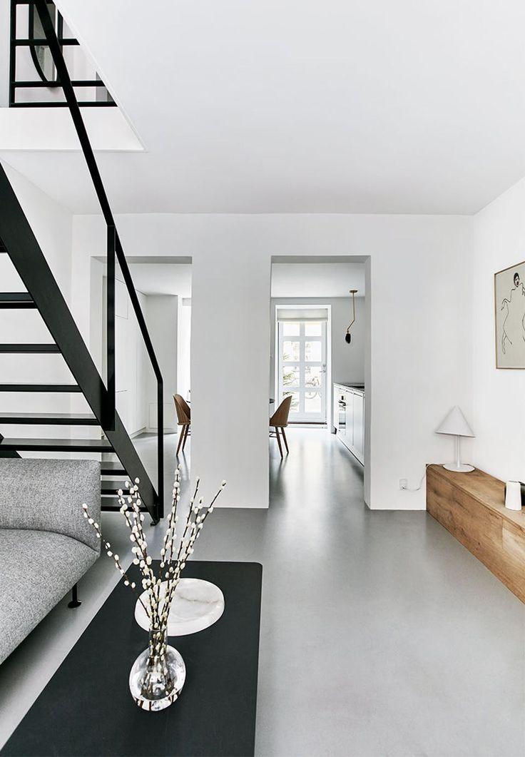 Die besten 25+ Schwarzweisse treppe Ideen auf Pinterest schwarze - futuristische buro einrichtung mit metall 3d wandpaneelen