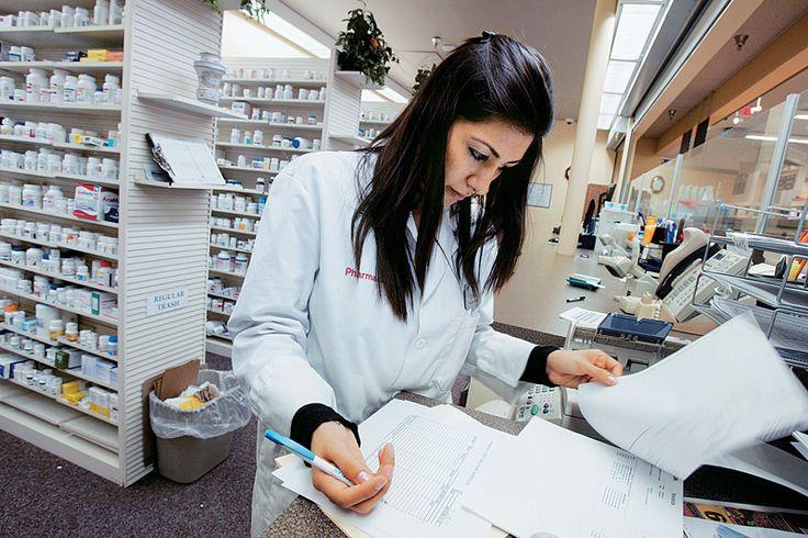 Αντιμετωπίζοντας τις Χρόνιες Παθήσεις στο Φαρμακείο - Ένα μεγάλο μέρος του κοινωνικού συνόλου επιλέγει πρώτα τον φαρμακοποιό του για την ενημέρωση και τη συμβουλή του σε θέματα υγείας.