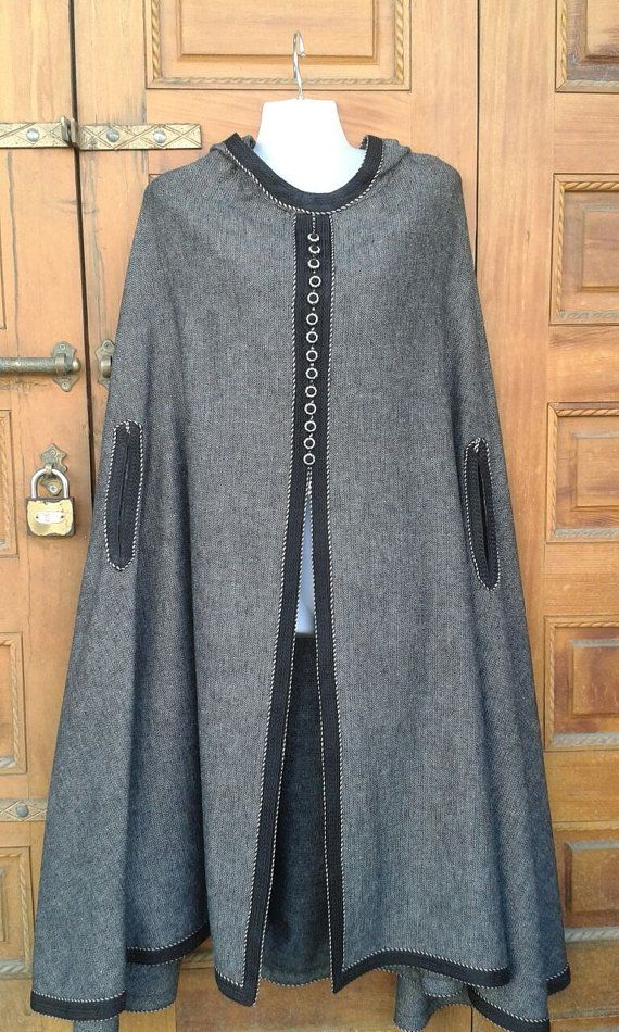 Retrouvez cet article dans ma boutique Etsy https://www.etsy.com/fr/listing/490846196/moroccan-cape-grey-cape-wool-cape-grey