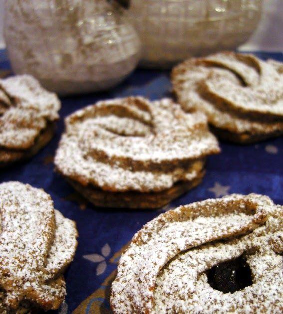 Und hier kommt das Rezept meiner vierten Plätzchensorte dieses Jahr :) Nachdem die Mohn-Pflaumen-Cupcakes so lecker waren, musste ich...