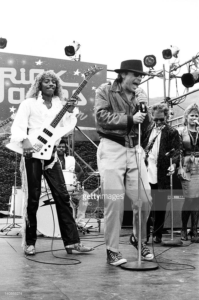 TEAM -- 'The Heart of Rock N' Roll' Episode 6 -- Pictured: (l-r) Rick James as himself, Dwight Schultz as 'Howling Mad' Murdock -- Photo by: NBCU Photo Bank
