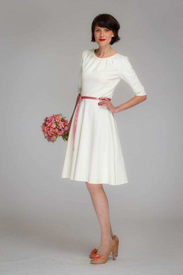 """Brautkleider - Brautkleid """"Luzia"""" mit Tellerrock in ... - ein Designerstück von Jekyll-und-Kleid bei DaWanda"""