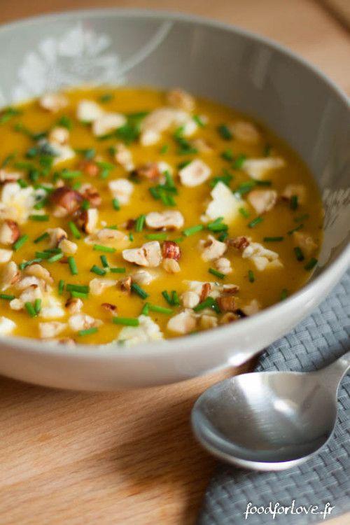 Velouté de Butternut et Poire, Eclats de Noisette (et St. Agur pour ceux qui mangent des laitages) Délicieux !