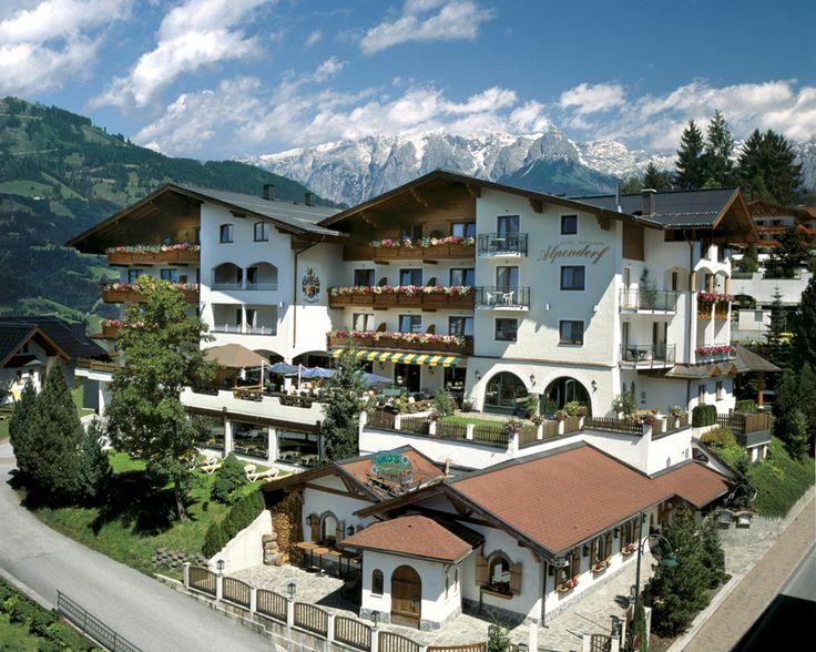 4-Stern Hotel Alpendorf inmitten der Salzburger Berge in St. Johann Alpendorf.