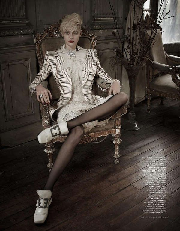 Neoteric Victorian Vestures - The Russian Vogue December 2012 Issue Showcases Extravagant Opulence (GALLERY)