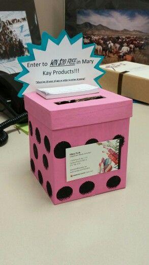 My vary first lead box!!!! I think its kinda cute www.marykay.com/hilaryfunk