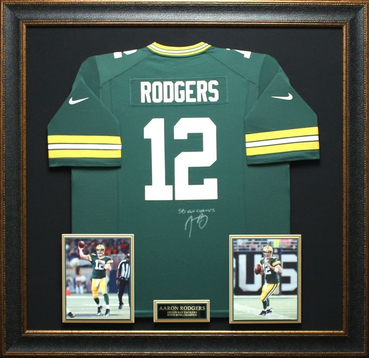 Gotta love Aaron Rodgers.  Known as one of the most precise and  accurate quarterbacks in NFL history! http://www.signatureroyale.com/aaron-rodgers-signed-jersey-framed/ #AaronRodgers #greenbaypackers #football #memerobelia