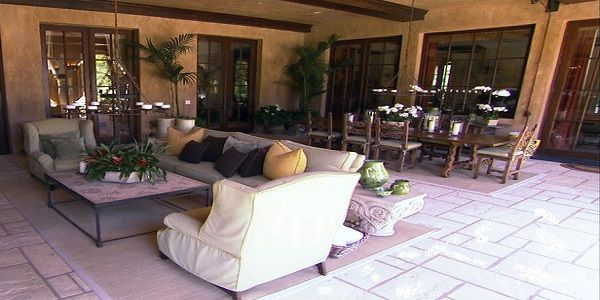 Beautiful and Elegant Outdoor Living with Dining Room Design