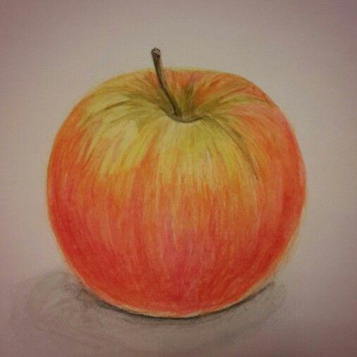 Яблоко, акварельные карандаши