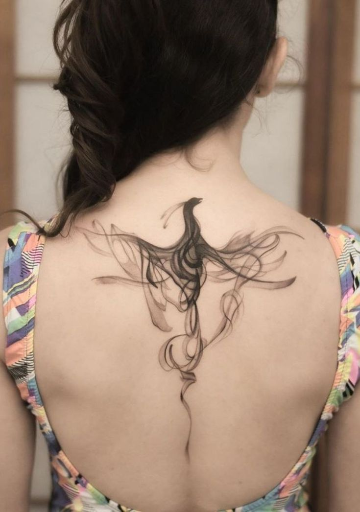 Arlequim Escarlate em 2021 | Tatuagem phoenix, Boas ideias para tatuagem, Tatuagem