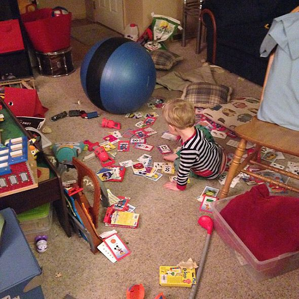 Αρκετά με τις στημένες, αψεγάδιαστες φωτογραφίες. Η πραγματικότητα του να είσαι γονιός αποτυπώνεται τέλεια στα παρακάτω στιγμιότυπα.