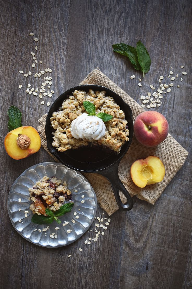 Cinnamon Peach Blueberry Crumble