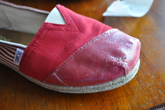 How to fix Toms- this happened to my last pair! I should have fixed them but now I know for my new pair! :)!