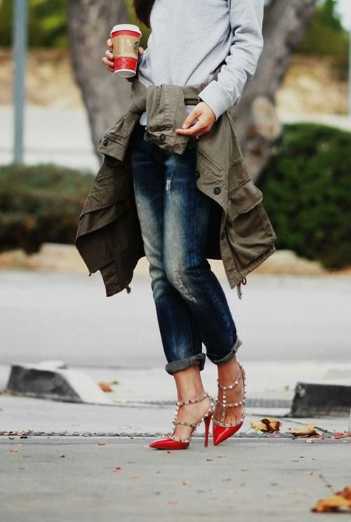 Street style inspiration: Valentino Rockstud Pumps: Boyfriend Jeans, Fashion, Red Valentino, Valentino Rockstud, Red Shoes, Street Styles, Boyfriends Jeans, Valentino Shoes, Heels
