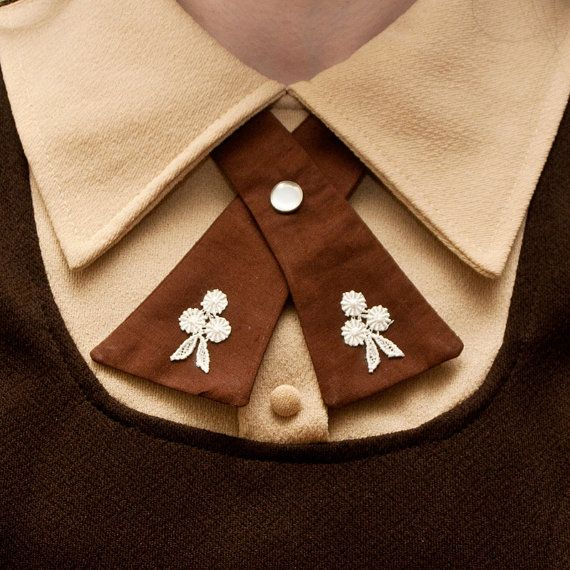 I want one of these cute flapper ties from Flapper Girl on Etsy, but it occurred to me I only have one thing with a collar to wear this with. This must be remedied!