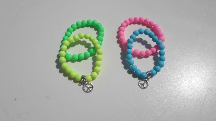 Hermosas pulseras, colores flúor, combinación a elección