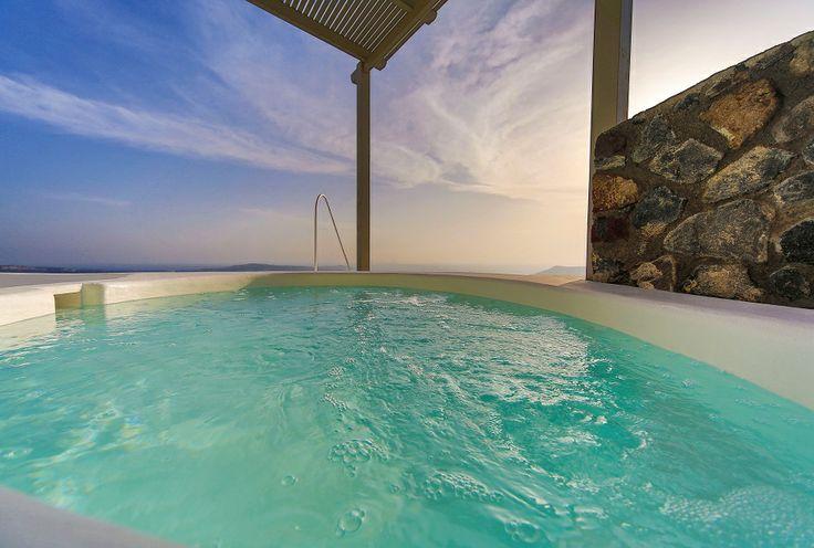 Caldera Suite private jetted pool...