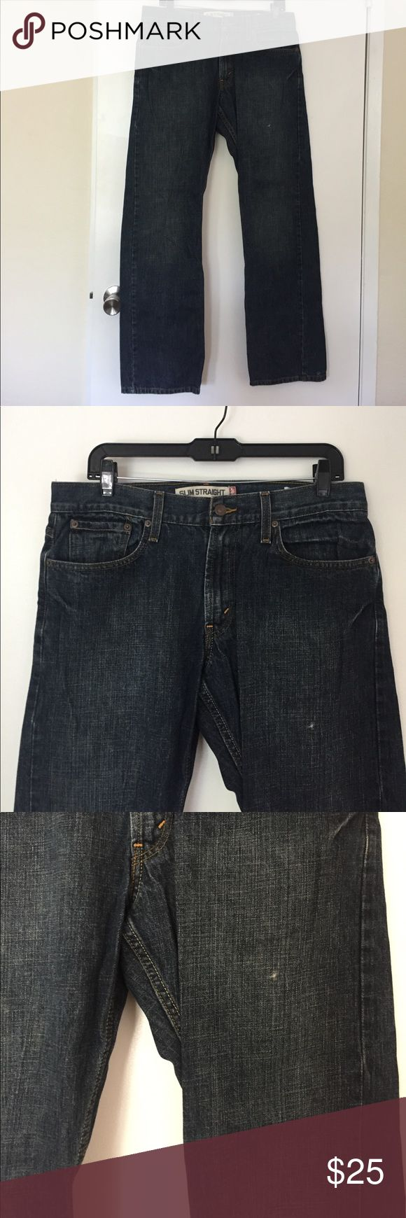 "MEN'S Levi's- ""Slim Straight"" Jeans Sim Straight Levi's jeans for men.  W 33 L 32.  Only worn once. Only ""snag"" is shown in the third pic.  Price is negotiable so leave an offer! Levi's Jeans Slim Straight"