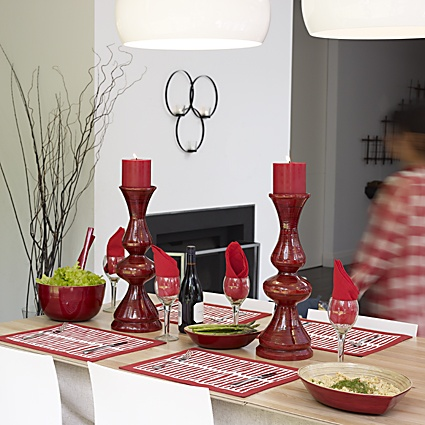 Oasis Table Setting - Roaring Red