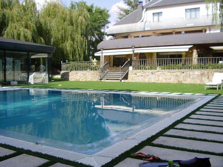"""Construcción de piscina desbordante sistema """"Munich"""""""