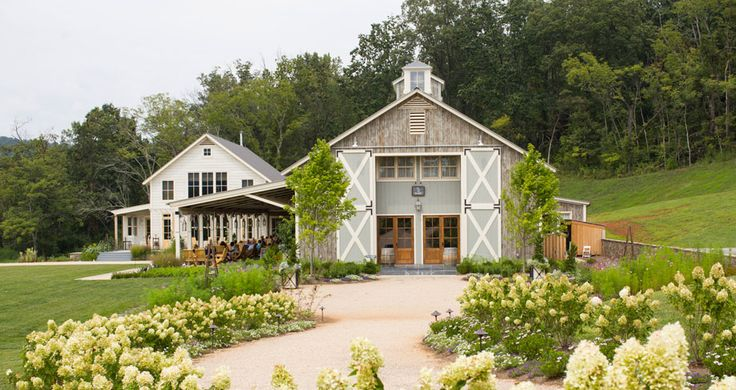 Why a Barn Venue is Perfect for Your Next Special Event | Pippin Hill Farm | Venuelust