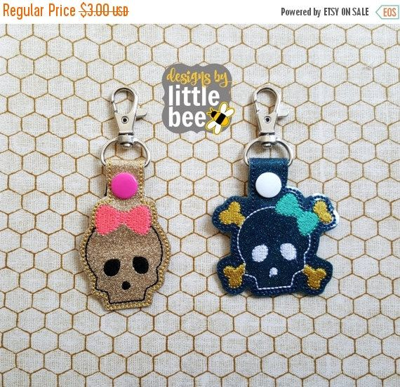 40% OFF SALE skulls and bones with BOWS! snap tab key fob set Digital Download for embroidery keychain design Instant Download! bean stitch