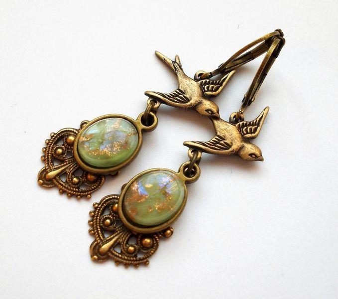 """Ohrhänger - Ohrringe bronze """"Frühlingsboten"""" grün - ein Designerstück von kirschrot-schmuckdesign bei DaWanda"""