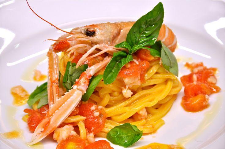 Eleganza e gusto in un unico piatto! #mareeluna #spaghetti #scampi #primidipesce #gusto #rimini