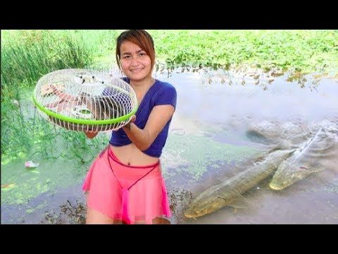 OMG!! Amazing idea smart girl trap fishing style - how to made net fish ...