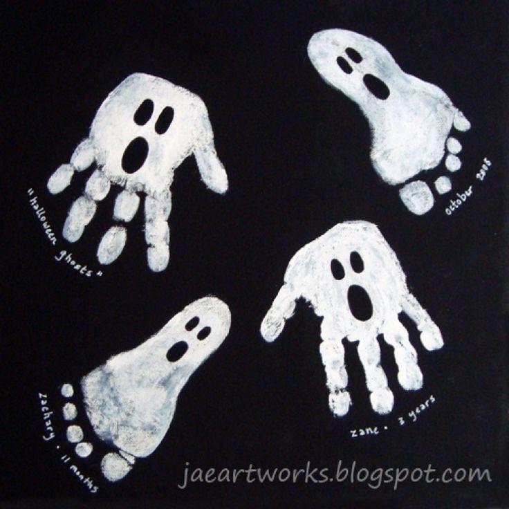 Que diriez-vous de travailler la créativité des enfants avec des réalisations pour Halloween faites avec les empreintes de leurs mains ou de leurs pieds ?! De quoi faire une décoration originale et personnalisée !...