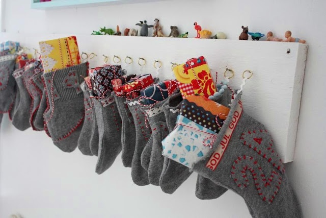 Advent calender idea, 31 little stockings on a banner would work too