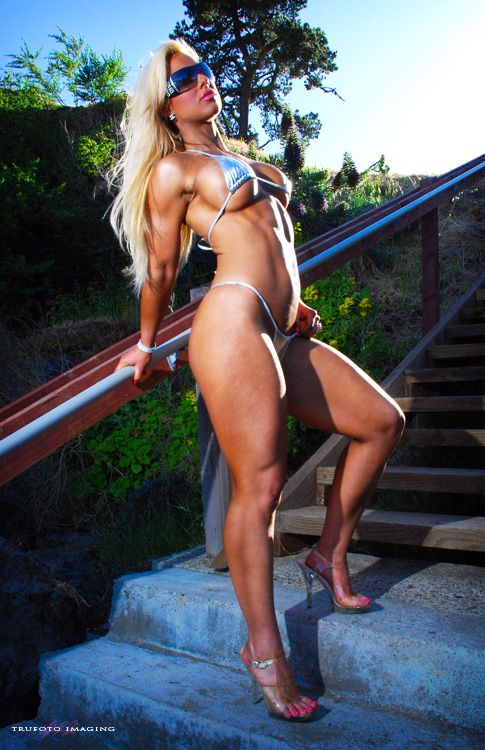 Megan Avalon: Pamela Sue Anderson and Female Bodybuilder in One: Fit Models, Fit Women, Avalon Greatshap, Cocomegan Avalon, Beautiful Women, Sexy Girls, Womenlift2 Megan, Fit Babes, Female Form