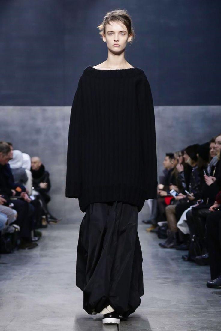 Vera Wang Ready To Wear Fall Winter 2015 New York - NOWFASHION. SO UGLY!!!