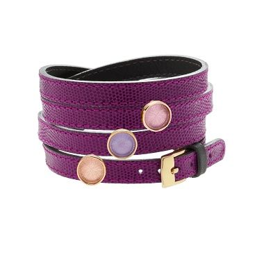 Discover the new sliding crystal medals for leather bracelets! Lilou offers you a great choice of colors, to add your favorite reversible leather bracelet. #lilou #crystal #medal #leather #bracelet #choice