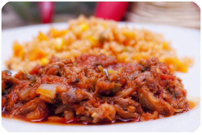 Rústica: Carne con Chile Rojo