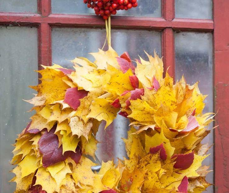 Styling & photo Minna Mercke Schmidt Nu börjar det bli lite ont om material där ute, men fallna löv finns det i massor. Lönn är vackert, r...