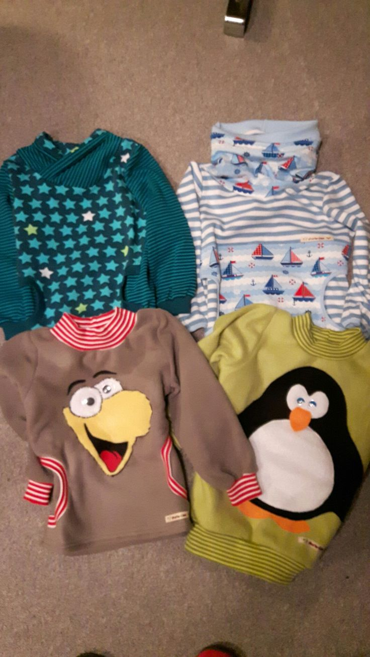 Kindershirts aus Jersey bzw. Fleece, teilweise mit Fleece Applikation.