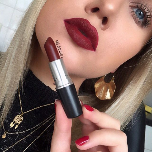 M•A•C Studded Kiss  Ohhhhh! Maybe too dark but must try