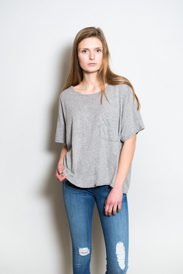 From Oak NYC, the only t-shirt you'll ever need. Available in white, black and marled grey. T-shirt is slightly cropped, loose fit, with one front pocket.   ...