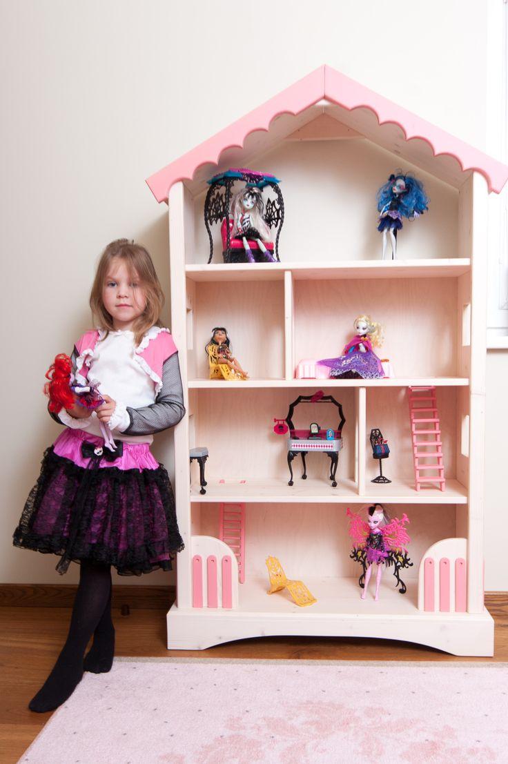 Woodel Doll House and Bookshelf