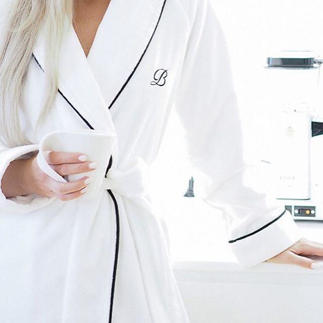 Home sweet home & Balmuir luxury Portofino robe...best together on grey Monday evening @teljanneito #balmuir #balmuirhome #portofino  #portofinorobe