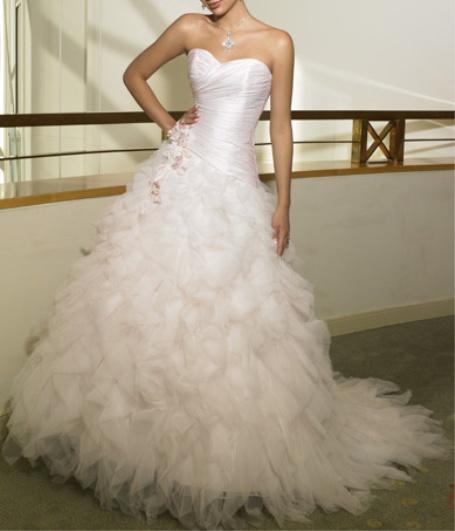 Fabulous ball room wedding dress. https://www.profiletree.com/rene-heydon #hautcouture, #design, #designer, #wedding, #weddinggowns, #weddingdress, #dreamdress,  #girly, #weddings, #bride, #groom, #crafts, #needlework, #sewing,