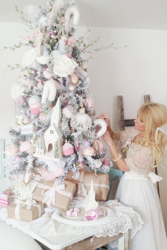 Best 25 french country christmas ideas on pinterest for Country chic christmas