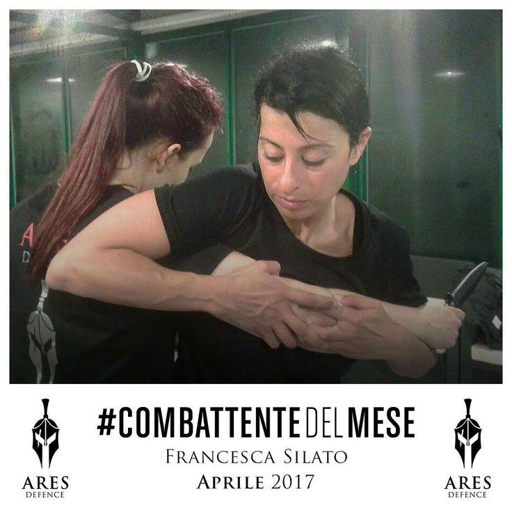 Tanti complimenti Francesca, a Maggio è toccato a te essere la #CombattenteDelMese! Questa foto dimostra esattamente come TECNICA e CONCENTRAZIONE siano le caratteristiche giuste per affrontare al meglio i nostri corsi! Una vera combattente in azione!  #WeAreARES